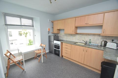 2 bedroom apartment to rent - Clifton Terrace, Cornwall