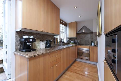 2 bedroom flat to rent - Redcliffe Square, SW10