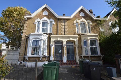 1 bedroom flat - Maybank House, High Road Leyton, London, E10