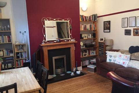 2 bedroom apartment to rent - Highbury Terrace