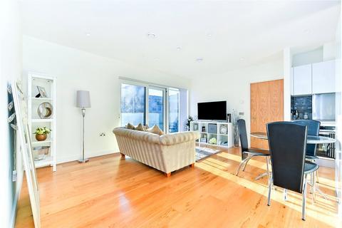 2 bedroom flat to rent - 22 John Harrison Way, London, SE10