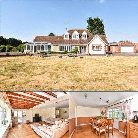 4 bedroom detached bungalow for sale - Copper Beeches, Stadhampton, OX44