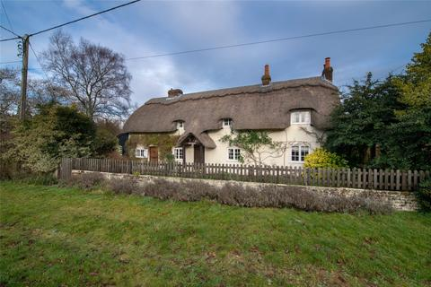 3 bedroom detached house for sale - Ropley, Hampshire, SO24