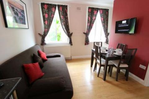 Studio to rent - Beauclerc Road, Hammersmith, W6 0NS