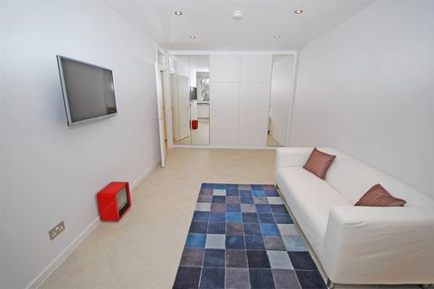Studio to rent - Rothesay Court, Harleyford Street, London
