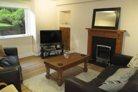 2 bedroom ground floor flat to rent - Forest Road, Garden Flat, AB15
