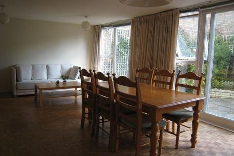 5 bedroom semi-detached house to rent - High Kingsdown, Bristol
