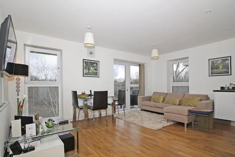 2 bedroom flat for sale - Alcock Crescent, Crayford