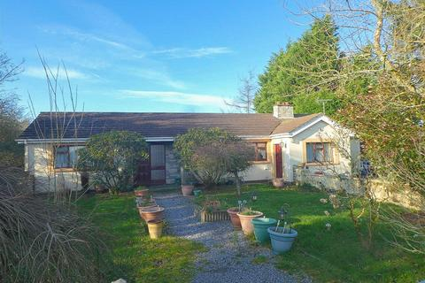 3 bedroom property with land for sale - Cribyn, Lampeter