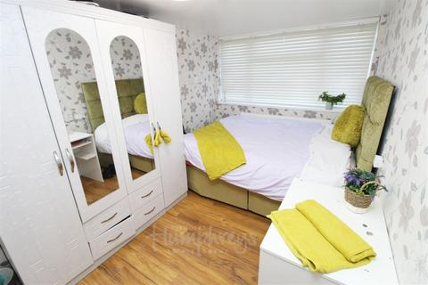 1 bedroom flat to rent - Sherbourne Grove, Ladywood B1 - 8-8 Viewings