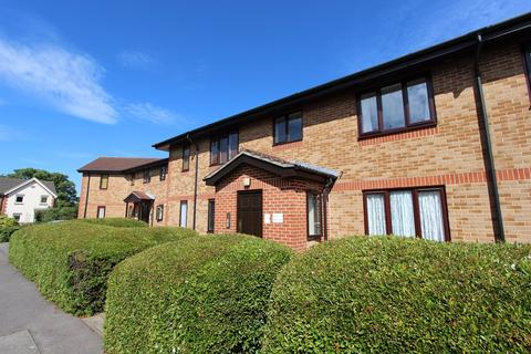 1 bedroom flat to rent - Kern Close, Southampton, SO16