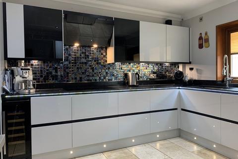 4 bedroom detached house for sale - Bryn Eglur Road, Morriston, Swansea, SA6