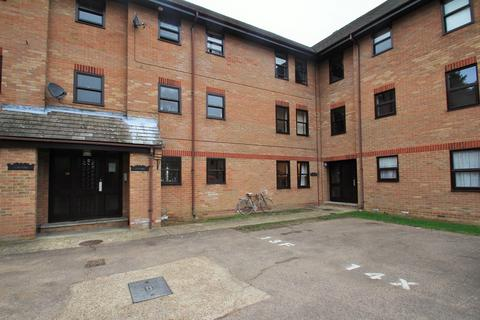 2 bedroom apartment for sale - Hanbury Gardens, Highwoods, Colchester, CO4
