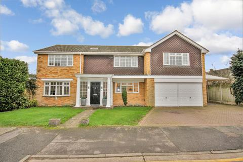 5 bedroom detached house to rent - Bishops Court Gardens, Chelmsford