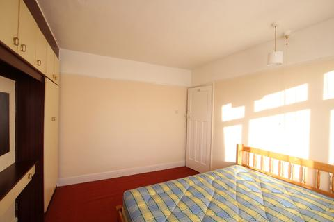 1 bedroom house share to rent - Grove Park, Cricklewood, NW9
