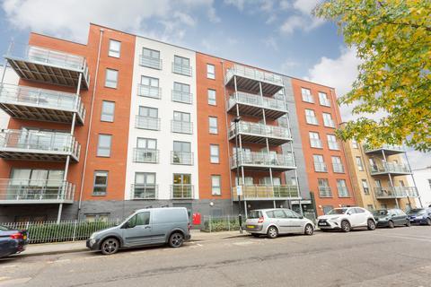 3 bedroom flat to rent - Fielder Aparments, E3