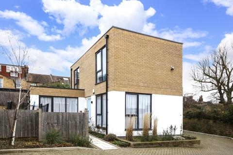 3 bedroom detached house for sale - St Thomas's Mews Charlton SE7