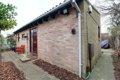 3 bedroom bungalow for sale - Mawbray Close, Lower Earley, Reading, Berkshire, RG6