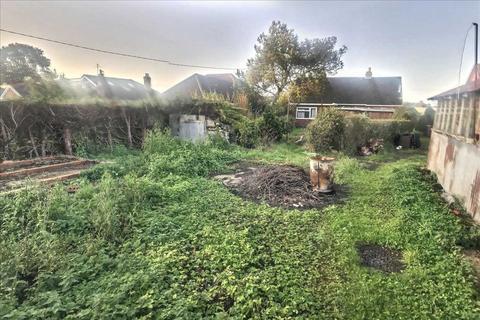 3 bedroom bungalow for sale - Andover Road, Oakley