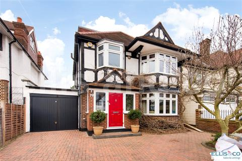 4 bedroom detached house for sale - Highwood Grove, Mill Hill, London, NW7