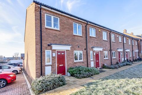 3 bedroom house to rent - Chappell Close, Aylesbury, HP19