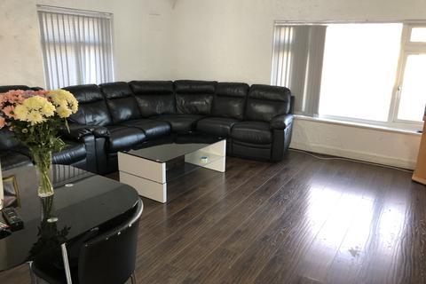 3 bedroom flat to rent - Flaxley Road, Stechford B33