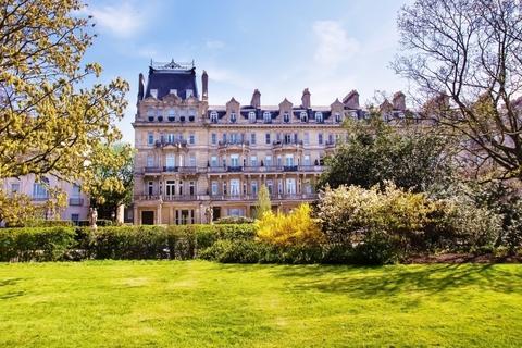 3 bedroom flat for sale - Cambridge Gate, Regent's Park