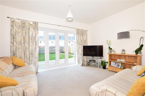 3 bedroom semi-detached house for sale - Poynder Drive, Holborough Lakes, Kent