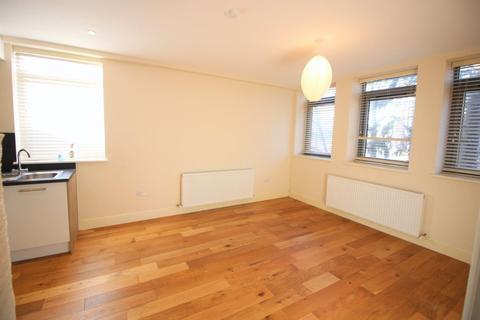 2 bedroom flat to rent - Garth Road, Morden, SM4