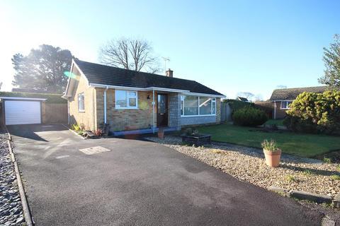 2 bedroom detached bungalow for sale - Dalkeith Road, Corfe Mullen, Wimborne