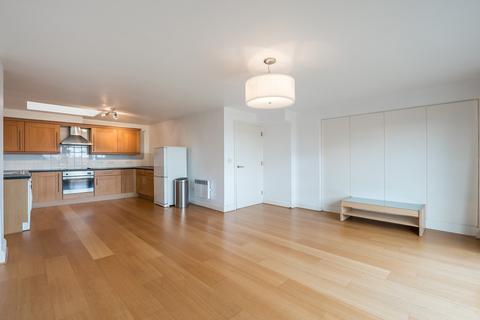 2 bedroom flat to rent - St John's Hill, Battersea, London SW11