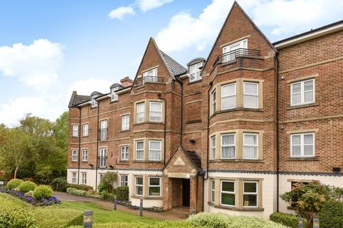 2 bedroom flat to rent - Parklands Court, Edgware HA8