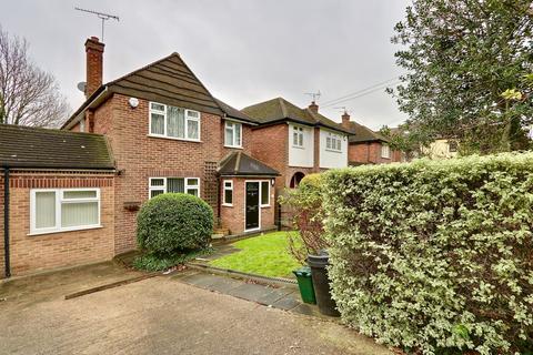 3 bedroom detached house for sale - Swakeleys Road, Ickenham, UB10