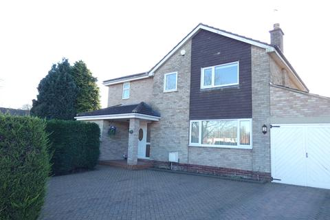 4 bedroom detached house for sale - Sunningdale Avenue, Leeds LS17