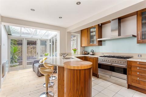 4 bedroom terraced house for sale - Bramford Road, London, SW18