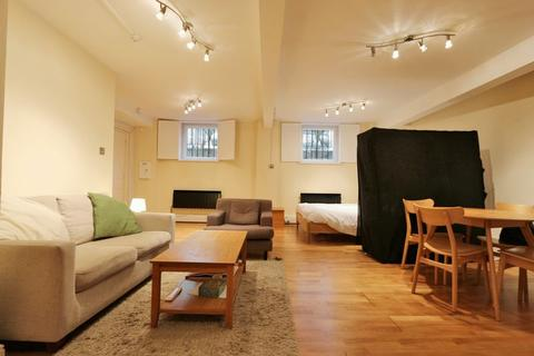 Studio to rent - St John Street, Clerkenwell EC1V