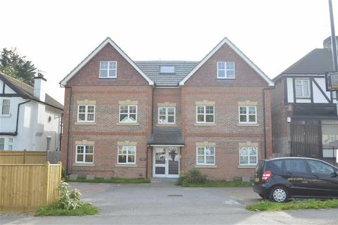 2 bedroom flat for sale - Chipstead Valley Road, Coulsdon, Surrey