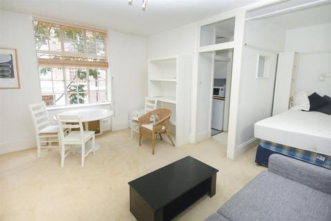 Studio to rent - Chelsea Manor Street, London, SW3 3TS