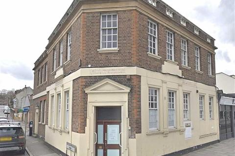 Shop to rent - Brighton Road, Coulsdon