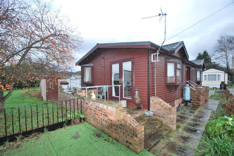 2 bedroom cottage for sale - Helsby Park Homes, Chester Road, Frodsham