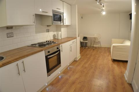 Studio to rent - Rodney Street, Liverpool City Centre