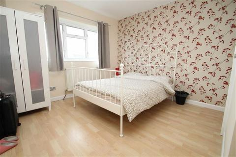 1 bedroom house share to rent - Priors Gardens, South Ruislip, Middx