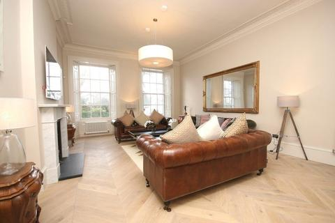 4 bedroom flat to rent - Queen Street