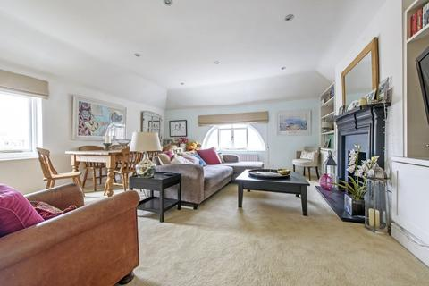 2 bedroom flat for sale - Old Town, London, SW11