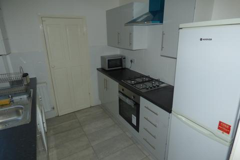 2 bedroom flat to rent - Rothbury Terrace, Heaton