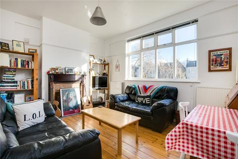 2 bedroom flat to rent - Moira Court, Balham High Road, London, SW17