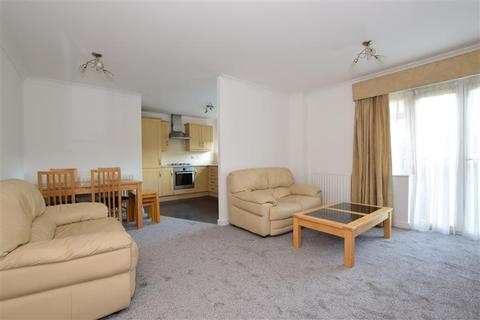 1 bedroom flat for sale - Stoneleigh Road, Clayhall, Ilford, Essex
