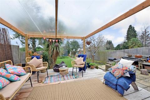 3 bedroom semi-detached house for sale - Plantation Lane, Bearsted, Maidstone, Kent