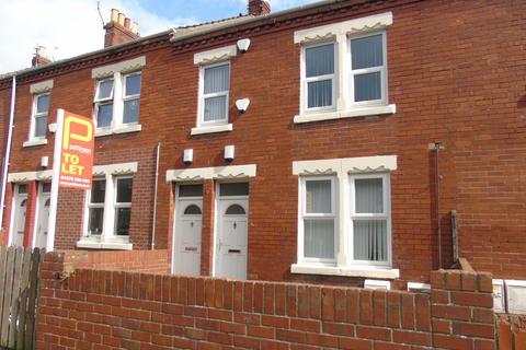 2 bedroom flat to rent - Queen Street, Ashington, Northumberland, NE63 9HS