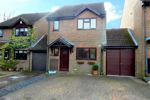 3 bedroom link detached house for sale - Horsham Road, Owlsmoor, SANDHURST, Berkshire